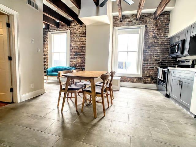 Eclectic NOLA Apartment #3, 3 mins to FQ