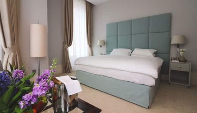 Executive Double Room, Partial Sea View, Seafront
