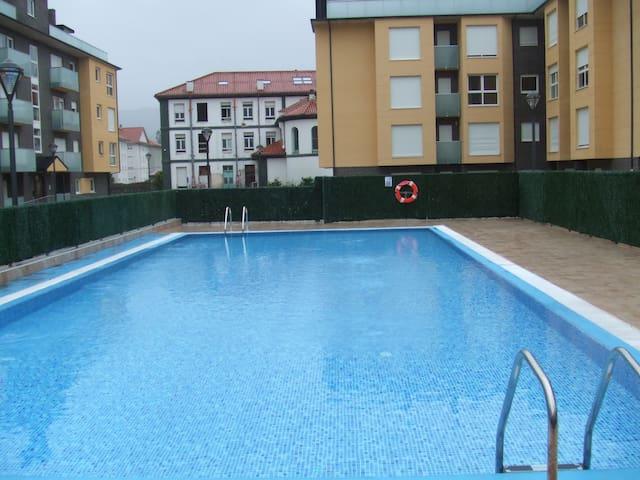 Atractivo y moderno con piscina - Unquera - Lejlighed