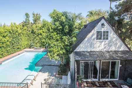 Charming Pool House-cleaned & sanitized