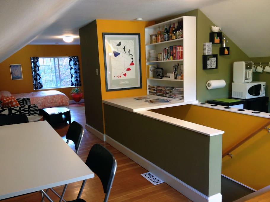 Funky pad suite parkside portland guest suites for for Parkside guest house bath