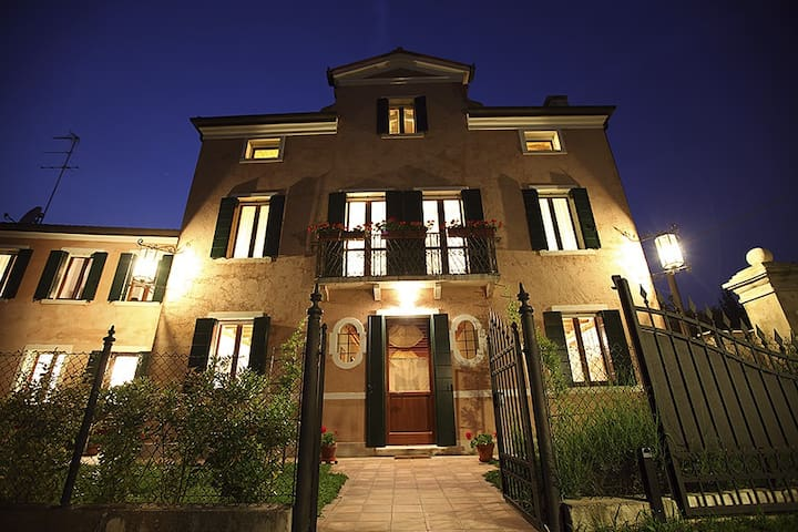 Romantic Villa near Venice - Dolo - Bed & Breakfast