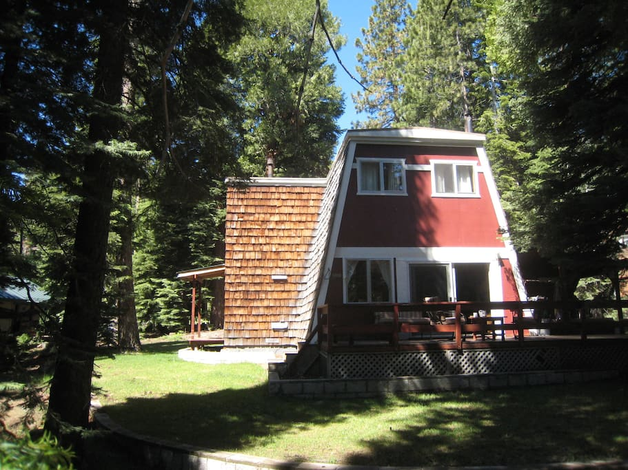 Lake tahoe cabin on west shore cabins for rent in for Tahoe city cabin rentals