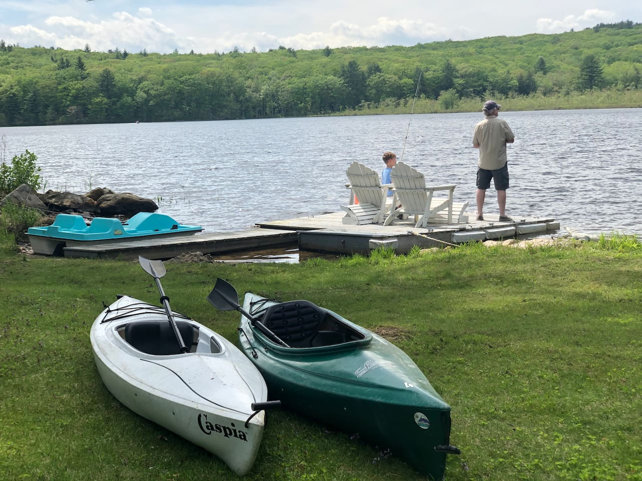 Make memories 2 Kayacks and a Paddle Boat available  for guests