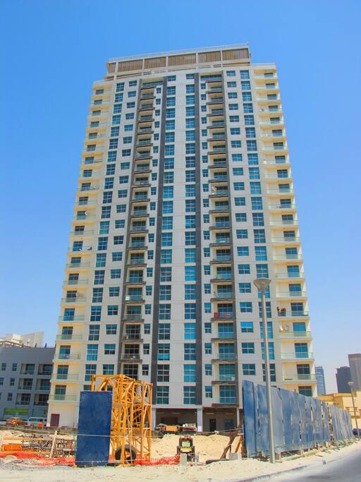 DEC Tower located in Dubai Marina
