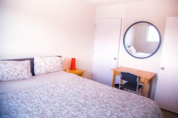 Cozy room in  house on acreage