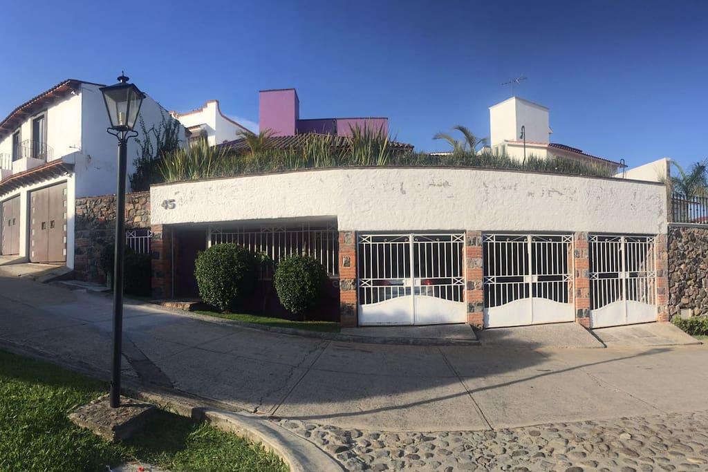 Fachada principal de casa