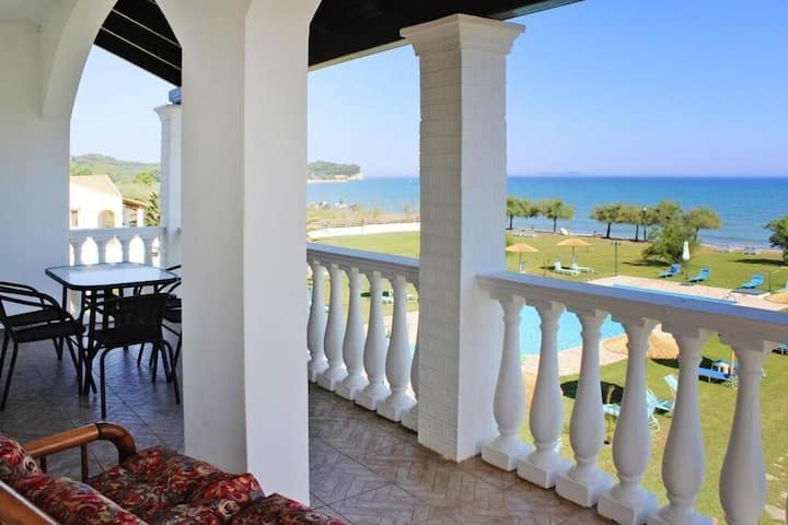 S & C Kosmos sea view apartment with 2 bedrooms