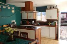 Share our open plan kitchen/diner (ground floor) inc. dishwasher & guest fridge