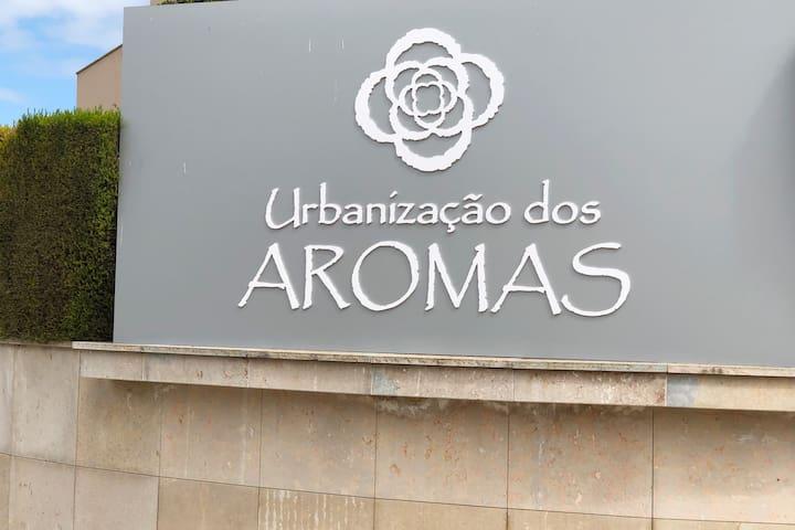 Condominium Aromas