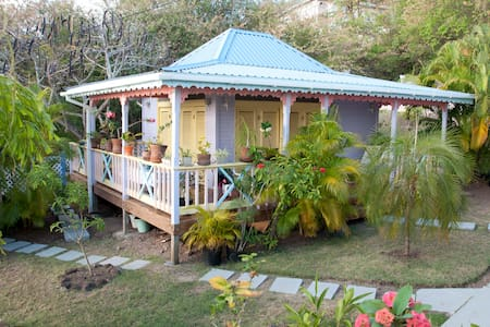 Rooms & Apt. with spectacular views - Vieux Fort - Bed & Breakfast