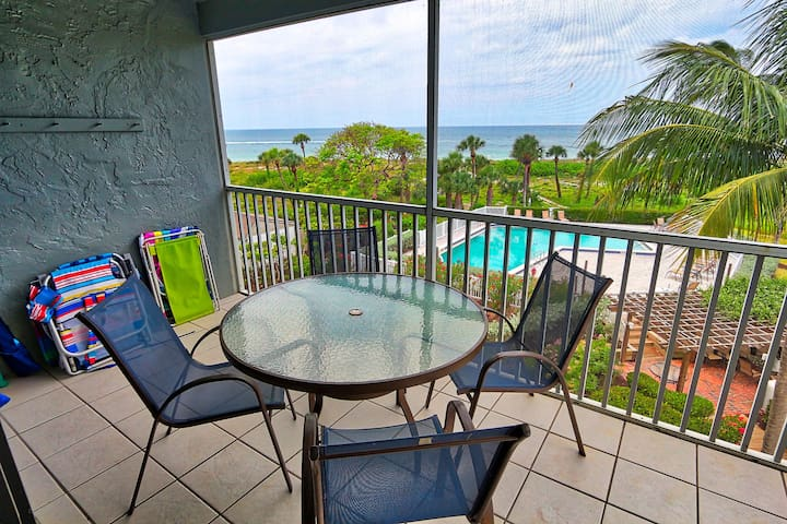 Newly Renovated, Two Bedroom, Gulf Front Condo with Loft - South Seas Beach Vill