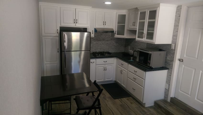 Cozy Apartment, total privacy. - Garden Grove - Apartment