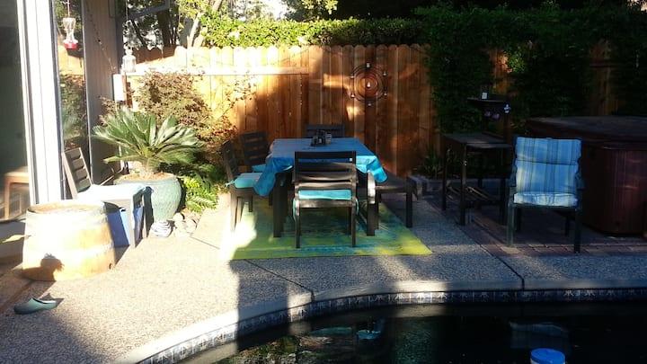 Spacious home with garden pool/spa
