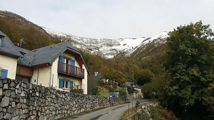Gîte 2 * près de Lourdes et Argelès Gazost