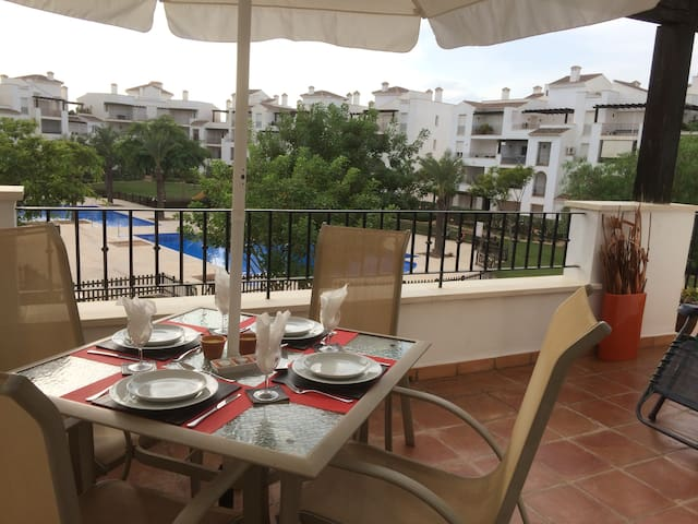 Stylish 2 bed apt, La Torre Golf Resort. Murcia.