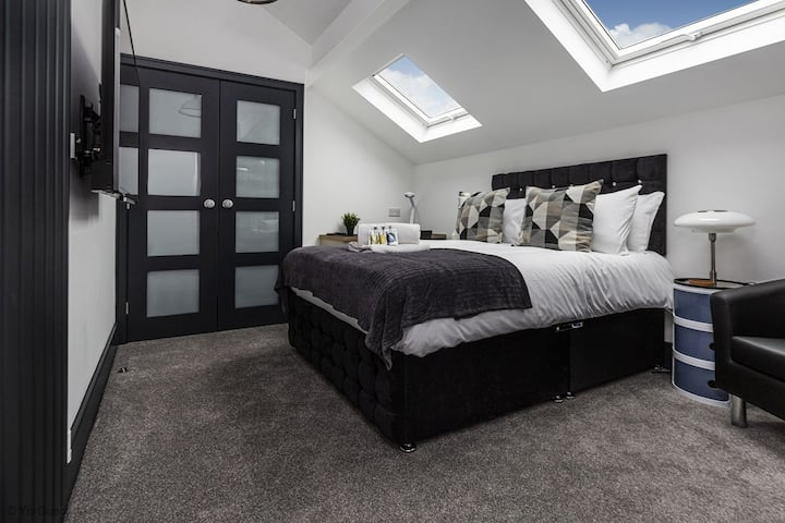 Luxury Suites and Studios by BOOTique Wakefield 6