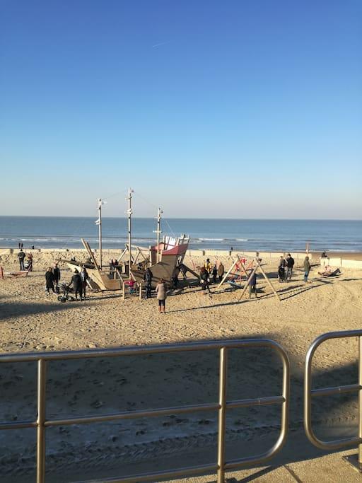 Heerlijk strand - 3 x S: sun, sand and see.