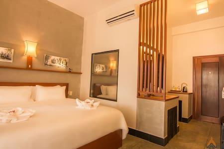 Superior Double Private Balcony:Ombra Angkor hotel - Krong Siem Reap - Oda + Kahvaltı