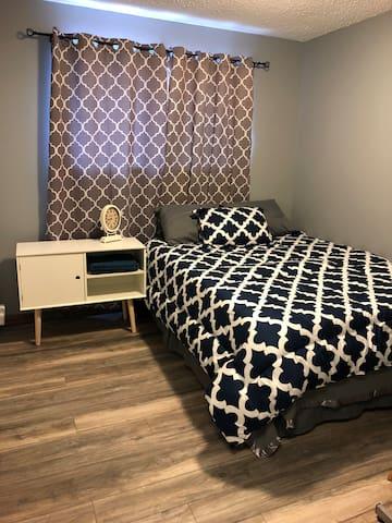 Queen Bedroom with desk and Free DIY Breakfast.