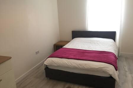 Comfotable big double bedroom - Cambridge - Rumah