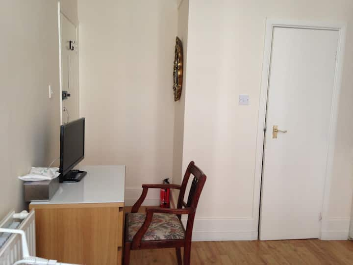 Very good location in London