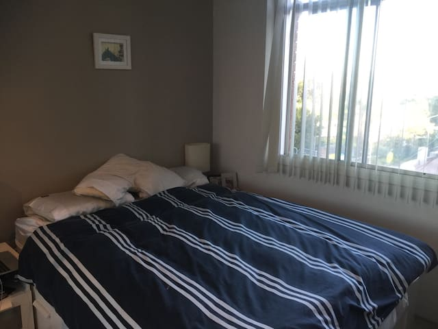 Excellent room in nice location - Wollstonecraft - Huoneisto