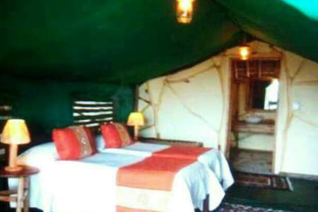 Camping at Rishikesh - Hutte