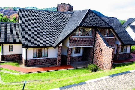 Self catering lodge in scenic Nyanga
