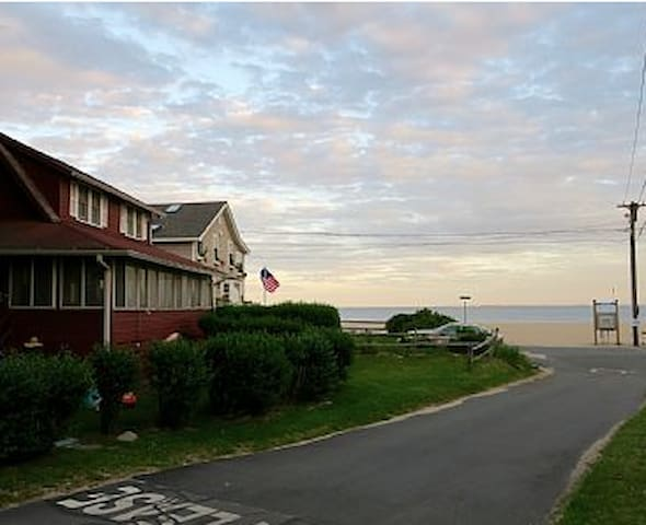 Old Lyme CT beach house available in Spring & Fall - Old Lyme - Haus