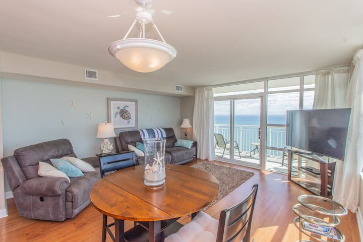 Oceanfront Penthouse~Luxury 2 Bedroom 2 Bathroom! Carolinian 2133