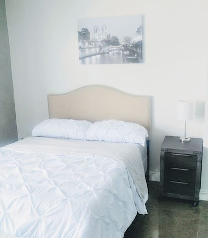 Nice DTLA Apt. 3 beds, 1 bath + WI-FI  downtown LA