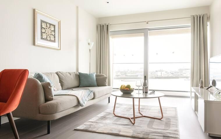 Premium 1BR Apartment next to O2 Arena 9915