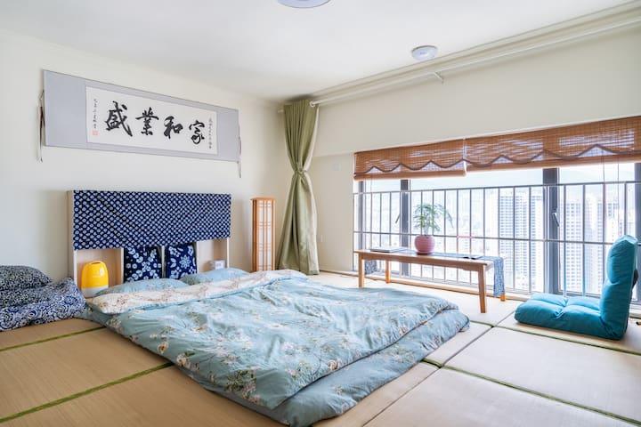 楼下是静静的洱海 游泳钓鱼日式风格2间榻榻米卧室LOFT公寓 洗衣机 微波炉 挂烫机 电冰箱 美食街