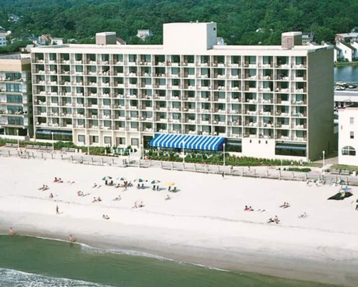 Barclay Towers Ocean Front 3, Virginia Beach