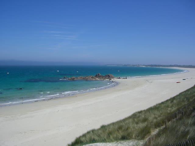 A 5 minutes à pied de la mer, maison au calme. - Plounévez-Lochrist