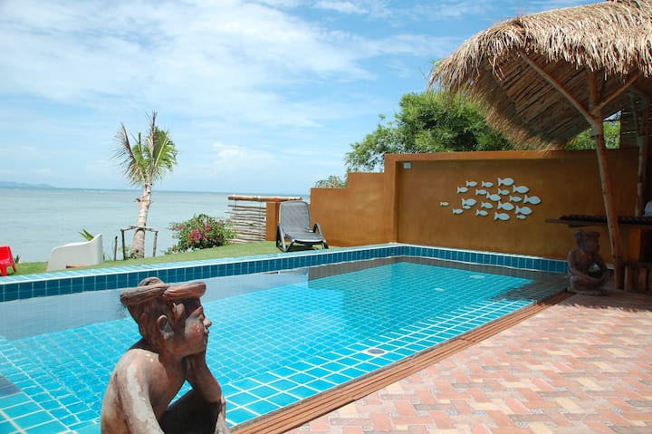 Superbe VILLA GOLDENMOON   SEAFRONT+POOL 4/7P.