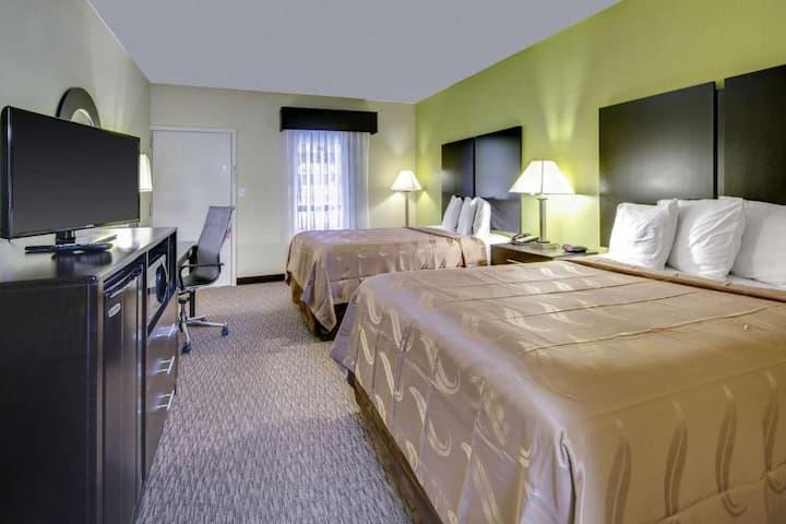 Shiny Quadruple Two Double Beds At Asheville