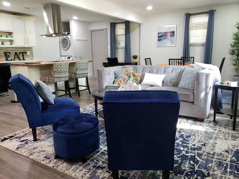 Modern Rehab 10 min to Downtown & Airport