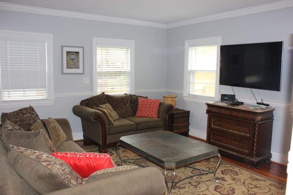 Private family room exclusively for 2 bedroom unit