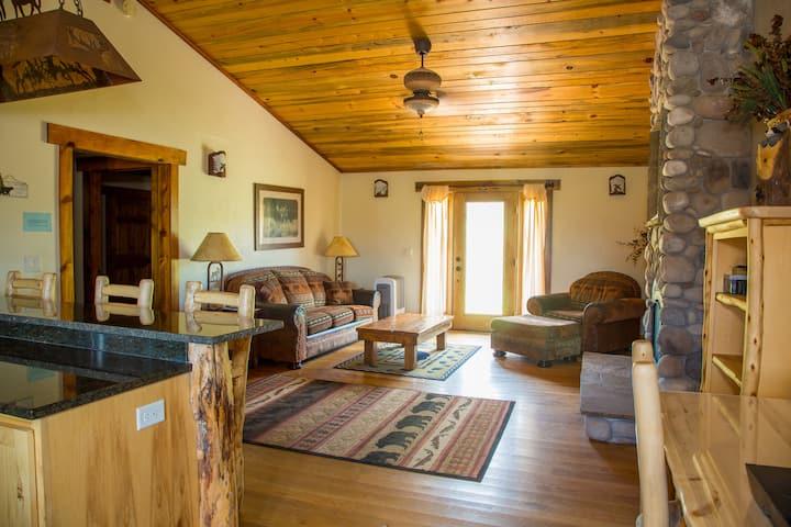 Mountain Inn: 2 BR Condo - Afton Wy