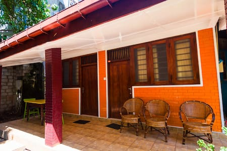 Cosy house close to beach in tourist center - Galle - Casa