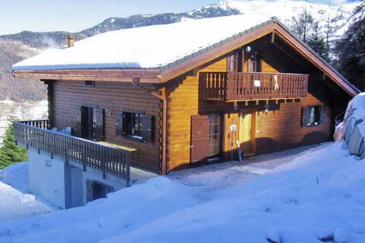 Luxurious Chalet in Riddes with Jacuzzi