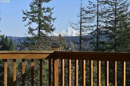 Mount Hood View in Happy Valley