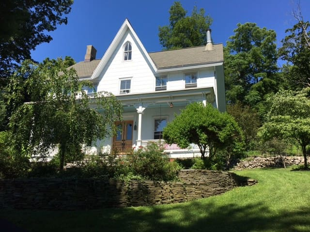 Charming Old Parsonage Overlooking The Hudson