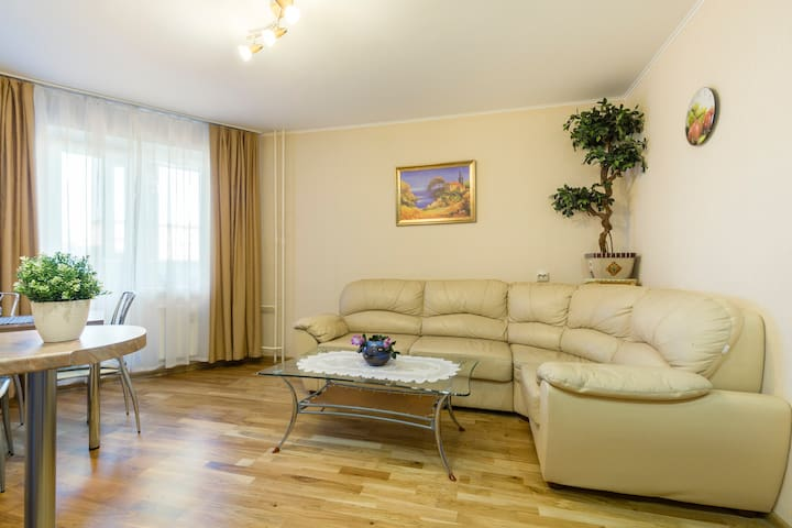 "1BD apartment near metro ""Lesnaya"""