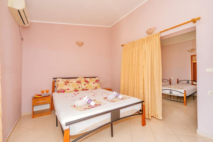 Guest House Edita - Family apartment