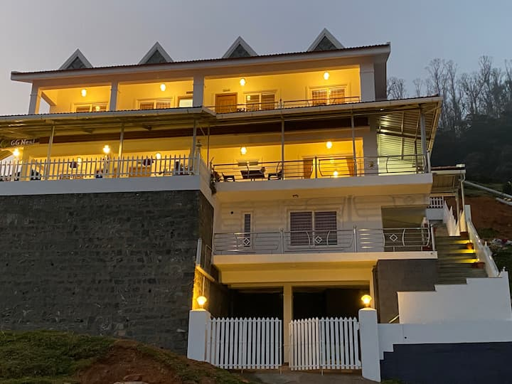 """GG Nest executive room with beautiful view -Ooty"""