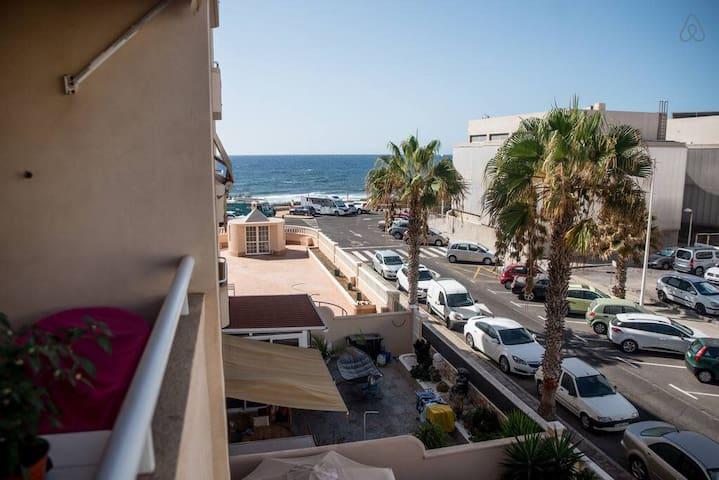 Lovely sunny apartment near the beach