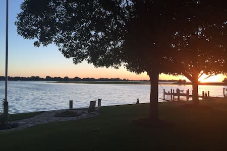 Sunsets on Lake Winneconne - Winneconne